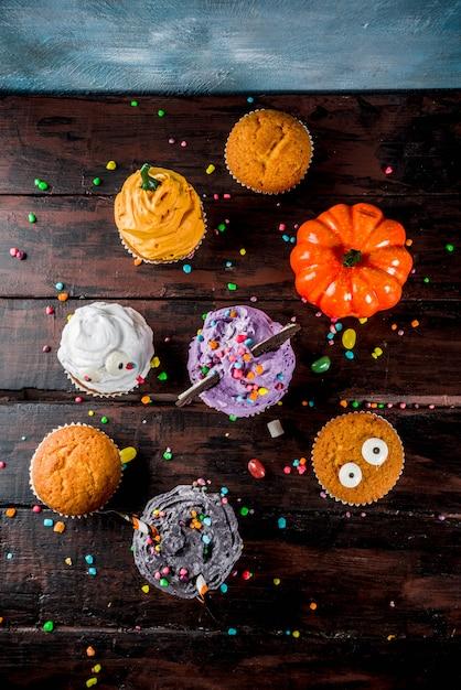 Lustige kinderleckerbissen für halloween Premium Fotos