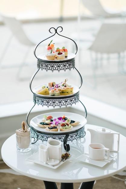 Luxusdessert und high tea Kostenlose Fotos