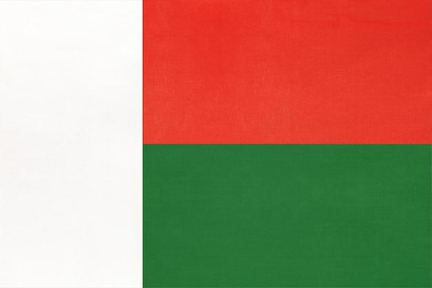 Madagaskar national stoff flagge. Premium Fotos