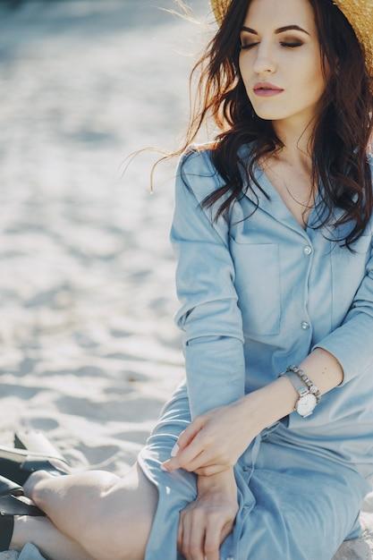 Mädchen am strand | Kostenlose Foto
