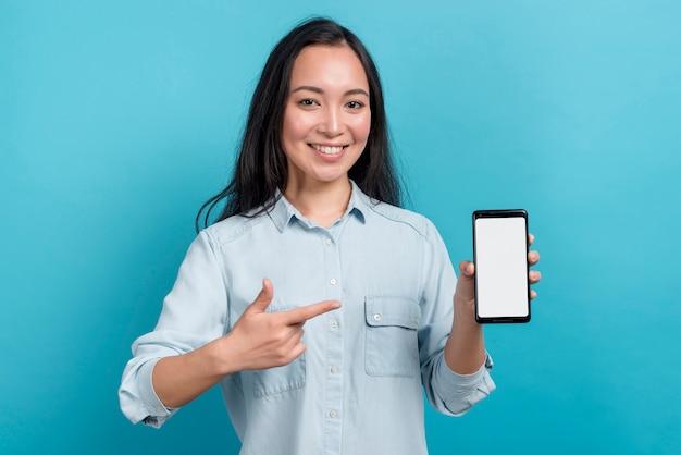 Mädchen mit smartphone Kostenlose Fotos