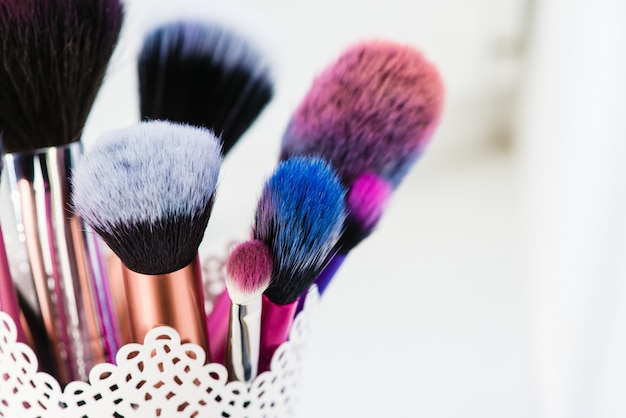 make up pinsel isoliert auf wei em hintergrund download. Black Bedroom Furniture Sets. Home Design Ideas