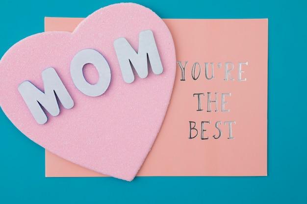 Mama, du bist die beste inschrift mit papierherz