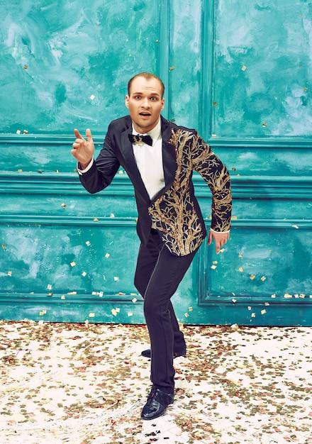 Mann als retro-tänzer Kostenlose Fotos