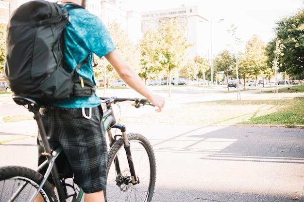 Mann mit fahrrad Kostenlose Fotos