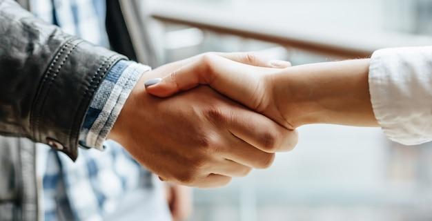 Mann und frau hand zittern Premium Fotos
