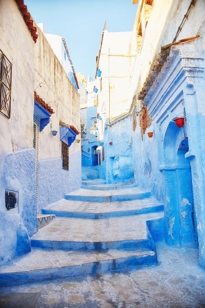 Marokko ist die blaue stadt von chefchaouen, endlose straßen in blauer farbe Premium Fotos