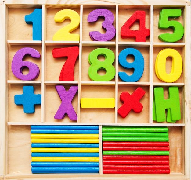 Mathe-kinderspiel Premium Fotos