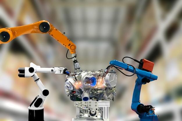Mechanische armtechnologie des roboterindustriemotors arbeitet für menschen Premium Fotos