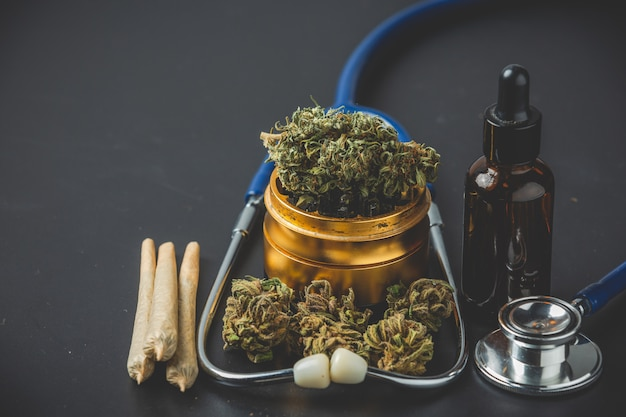 Medizinisches marihuana nahaufnahme cannabis knospen und gelenke Kostenlose Fotos