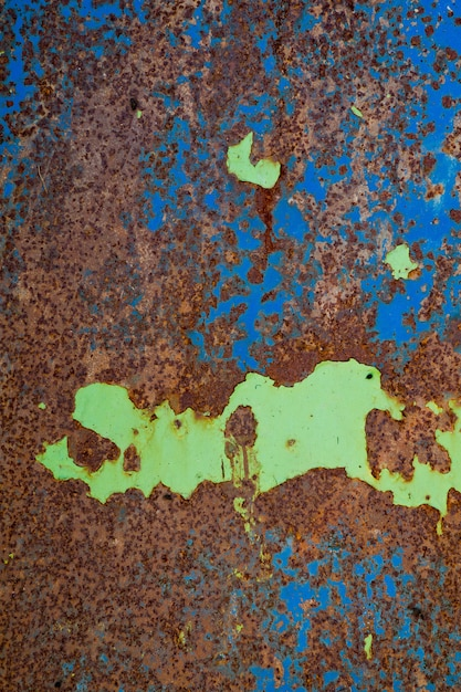 Metal rosthintergrund, zerfallsstahl, metallbeschaffenheit mit kratzer und sprung, rostwand Premium Fotos