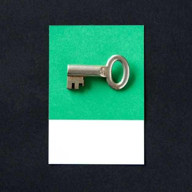 Metallschlüsselobjekt als sicherheitsikone Kostenlose Fotos