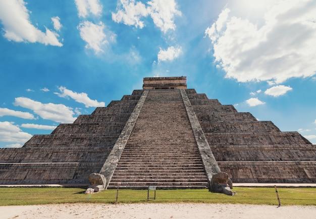 Mexiko chichen itza maya ruinen Premium Fotos