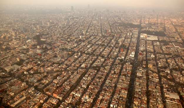 Mexiko-stadtstadtvogelperspektive vom flugzeug Premium Fotos
