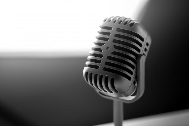 Mikrofon im vintage-stil Premium Fotos