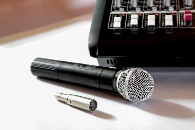 Mikrofon und mixer Premium Fotos