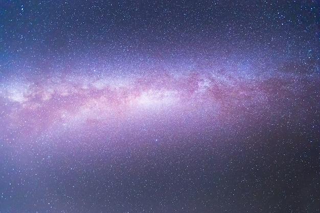 Milchstraßengalaxie mit sternen und weltraumstaub im universum. astronomie. Premium Fotos