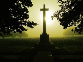 Misty dawn an der somme Kostenlose Fotos