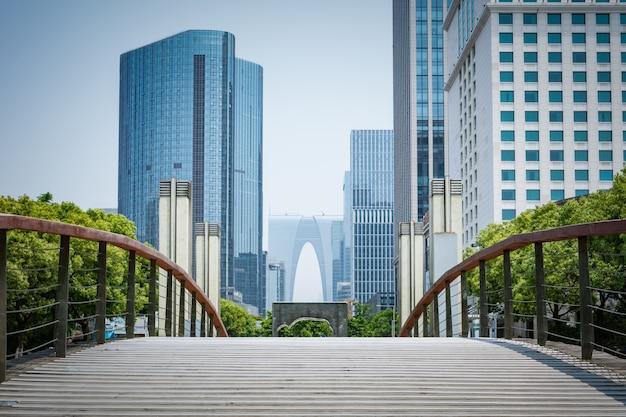 Mit Blick auf die Finanz Stadt Kostenlose Fotos