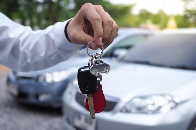 Mitarbeiter autohypothek für einen kredit Premium Fotos