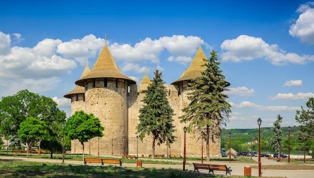 Mittelalterliche festung in soroca, republik moldau Premium Fotos