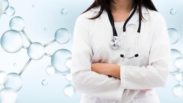 Mittlerer schuss der frau mit medizinischem hintergrund Kostenlose Fotos