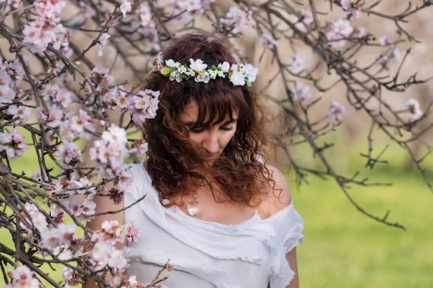 Mode frau auf die natur Premium Fotos