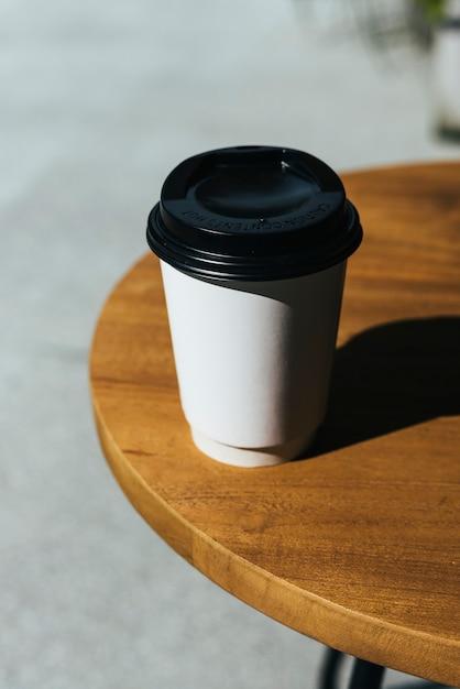 Modell einer einweg-tasse kaffee Kostenlose Fotos
