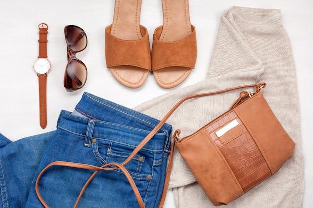 Modemädchenkleidung eingestellt, zubehör Premium Fotos