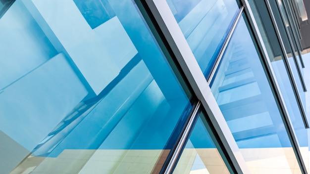 Moderne architektur, blaugrünes glas, stahlkonstruktion modernität, stärke und professionalität Premium Fotos