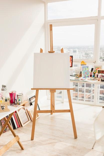 Moderne kunststudio-komposition Kostenlose Fotos