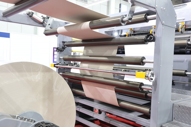 Moderne papierschneidemaschine Premium Fotos