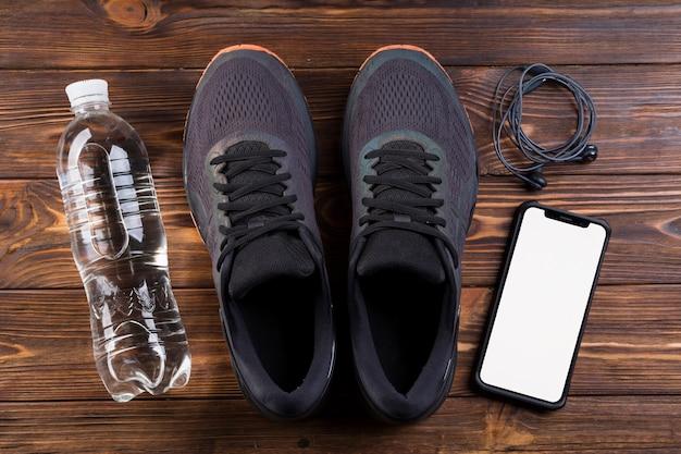 Moderne sportkomposition mit fitnesselementen Kostenlose Fotos