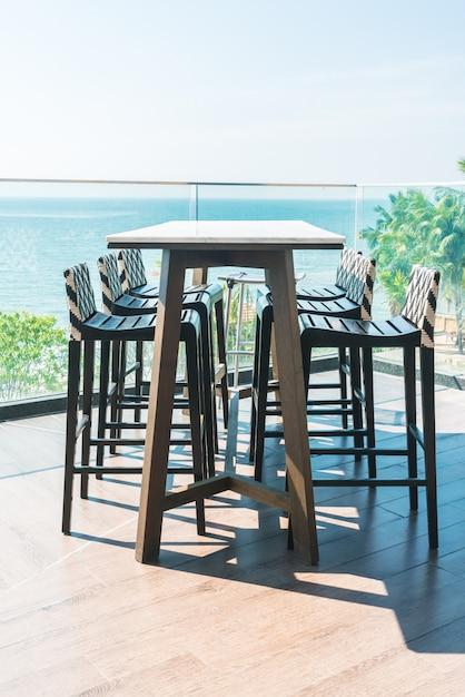 Moderner stuhl und tisch Kostenlose Fotos