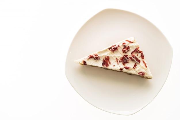 Moosbeertorte oder -kuchen in der weißen platte Kostenlose Fotos