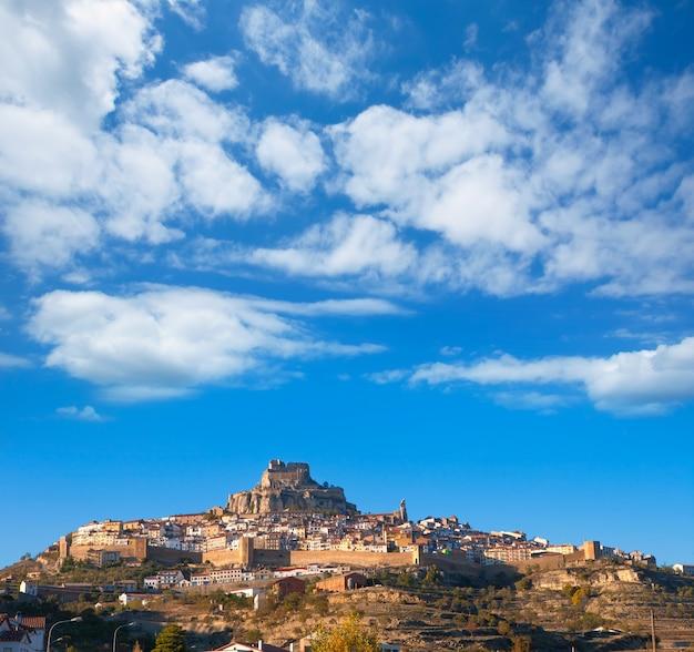 Morella dorf ist maestrazgo castellon mit schloss Premium Fotos