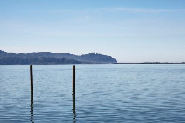 Morgenlandschaft der berühmten nehalem bay in zentraloregon Kostenlose Fotos