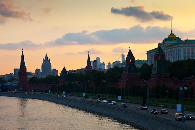Moskauer kreml im sommer sonnenuntergang Kostenlose Fotos