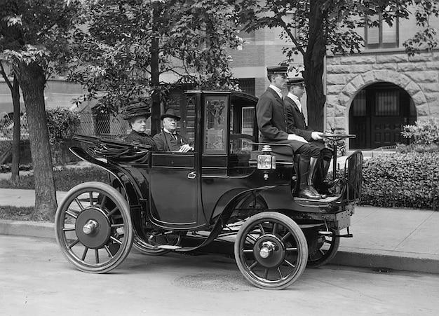 Motorisierte auto-fahrt wagen oldtimer Kostenlose Fotos