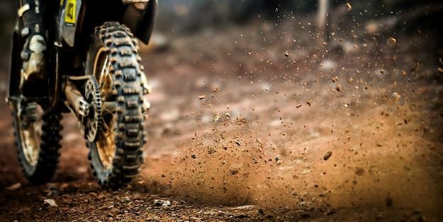 Motorrad abseits der straße Premium Fotos