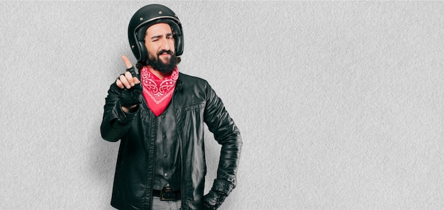 Motorradfahrer verärgert oder anderer meinung ausdruck Premium Fotos
