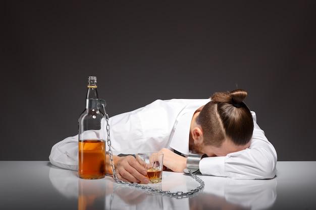Das Jh. der Insel s. Über den Alkoholismus