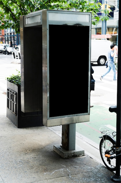 Mupi-vorlage im städtischen umfeld Kostenlose Fotos
