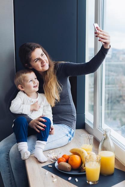 Mutter und sohn | Kostenlose Foto