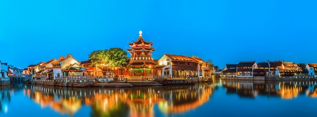 Nachtansicht der antiken stadt suzhou Premium Fotos