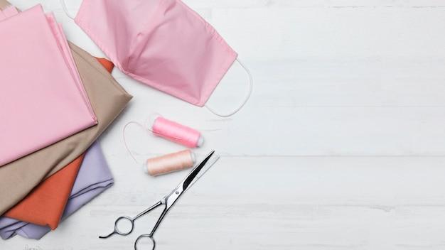 Nähset für eine rosa stoffmaske Kostenlose Fotos