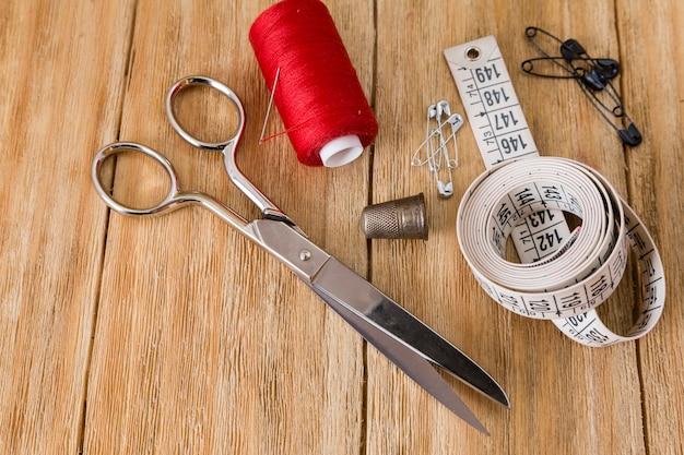 Nähwerkzeuge und nähzeug Premium Fotos