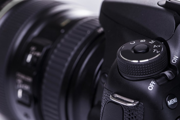 Nahaufnahme der dslr-kamera Premium Fotos