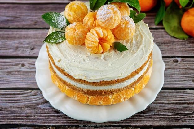 Nahaufnahme der zitruspastete mit frischer mandarine und blättern Premium Fotos
