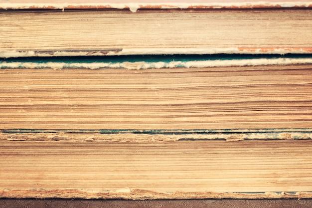Nahaufnahme des stapels alter weinlesebücher Premium Fotos
